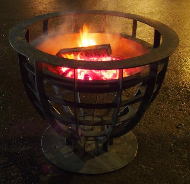 Feuerstelle in Eiform